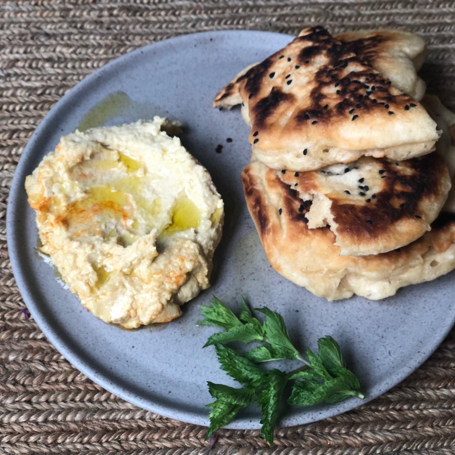 Shawarma-Brot mit Hummus